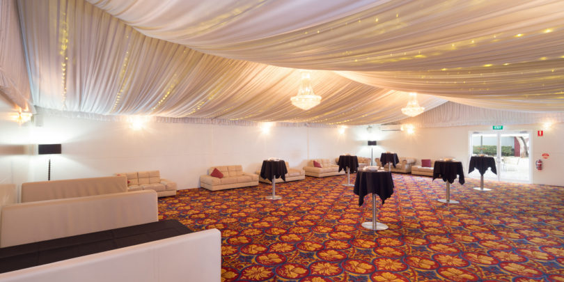 Royal On The Park Hotel And Suites Microhire